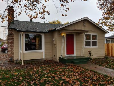 Santa Rosa Single Family Home For Sale: 1900 West Avenue