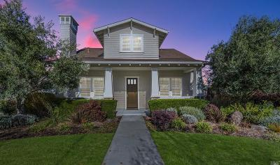 Petaluma Single Family Home Contingent-Show: 1022 Samuel Drive