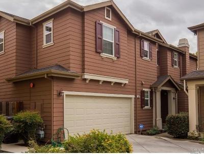 Suisun City Single Family Home For Sale: 113 Summertime Lane