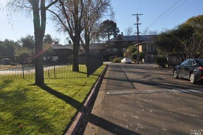 Santa Rosa Condo/Townhouse For Sale: 966 Borden Villa Drive #211
