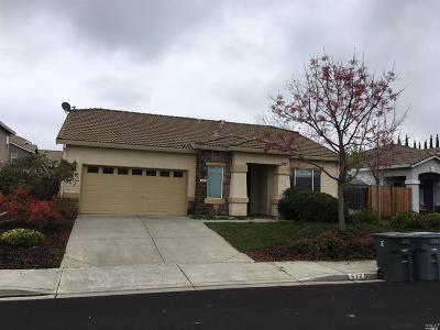Solano County Single Family Home For Sale: 512 Feather River Way