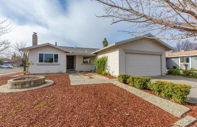 Suisun City Single Family Home For Sale: 810 Ruddy Lane