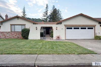 Marin County Single Family Home For Sale: 711 Glenhill Court