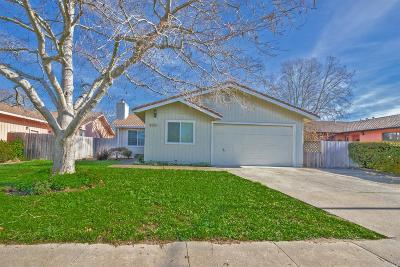 Cotati Single Family Home For Sale: 8580 Wren Drive