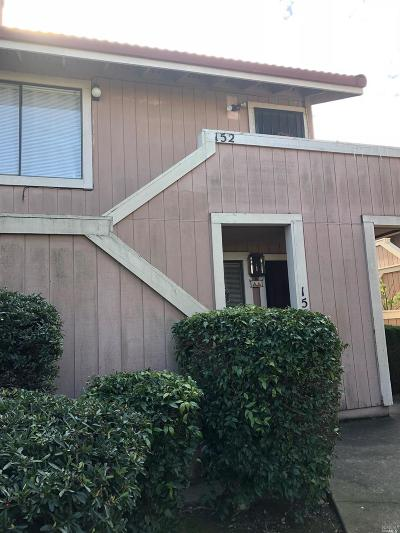 Vallejo Condo/Townhouse For Sale: 2890 Redwood Parkway #152