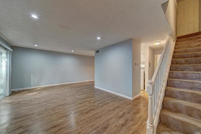 Vallejo Condo/Townhouse Contingent-Show: 165 Oddstad Drive #95