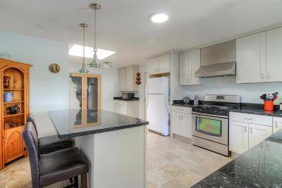 Santa Rosa Single Family Home For Sale: 2113 Creekside Road