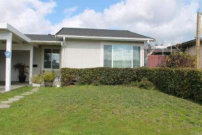Vallejo Single Family Home For Sale: 140 Litchfield Court