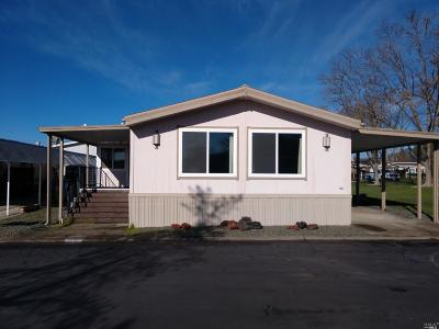 Calistoga Mobile Home For Sale: 417 Burgundy S. #417