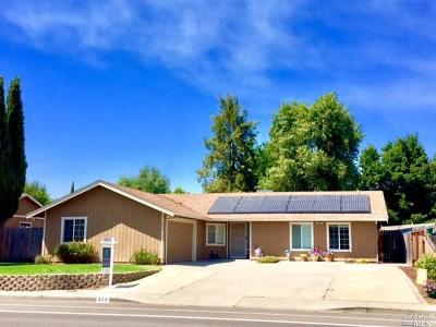 Vacaville Single Family Home For Sale: 810 Marshall Road