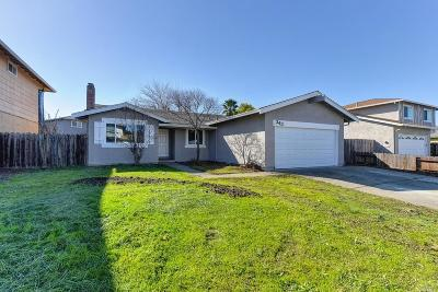 Solano County Single Family Home For Sale: 343 Bald Pate Drive