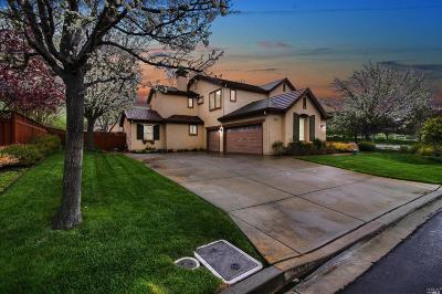 Vallejo Single Family Home Contingent-Show: 2404 Waterfall Way