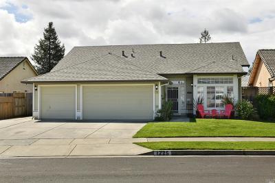 Santa Rosa Single Family Home For Sale: 1225 Comalli Street