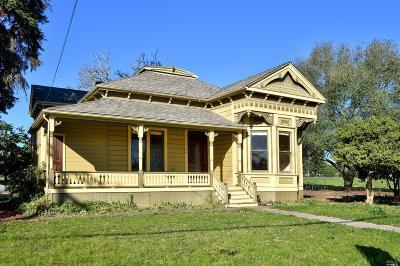 Healdsburg Single Family Home For Sale: 979 Grove Street