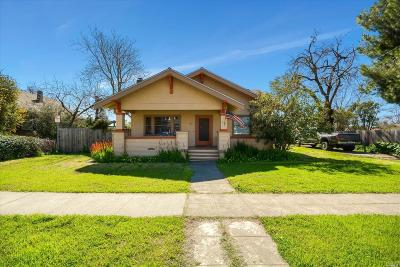 Dixon Single Family Home For Sale: 230 East Mayes Street