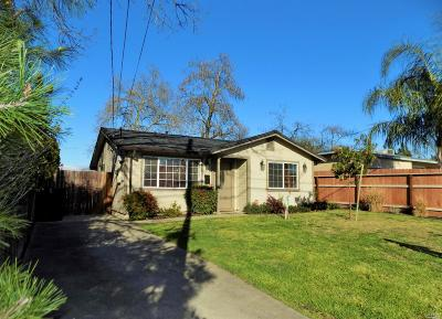 Single Family Home For Sale: 206 Hickory Street