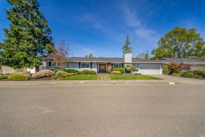 Santa Rosa Single Family Home For Sale: 8 Valley Oaks Lane