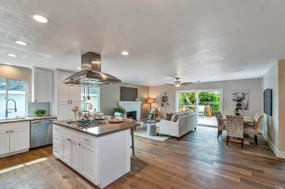 Healdsburg Single Family Home For Sale: 1513 Oakleaf Avenue