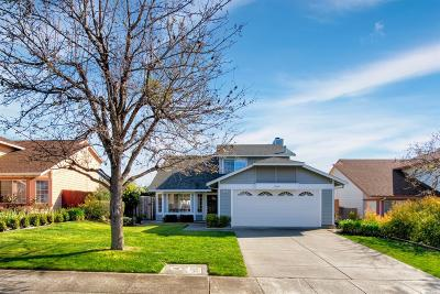 Vallejo Single Family Home For Sale: 225 Cimarron Drive