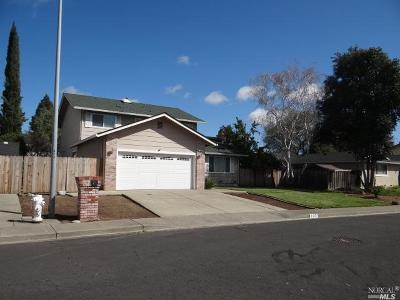 Vacaville Single Family Home For Sale: 137 Quietwood Drive