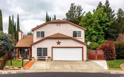 Vacaville Single Family Home For Sale: 620 Saratoga Court