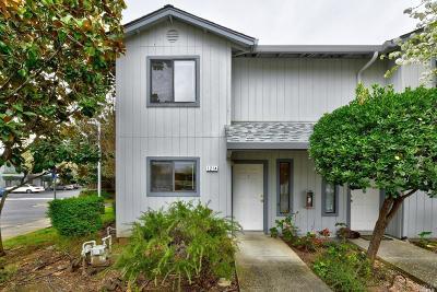 Cloverdale Condo/Townhouse For Sale: 121 Elbridge Avenue