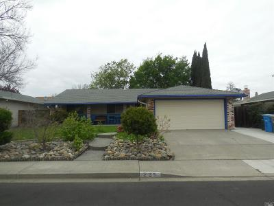 Vacaville Single Family Home For Sale: 225 Riverdale Avenue