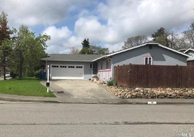 Petaluma Single Family Home For Sale: 28 Graylawn Avenue