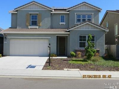 Vacaville Single Family Home For Sale: 212 Daphne Drive