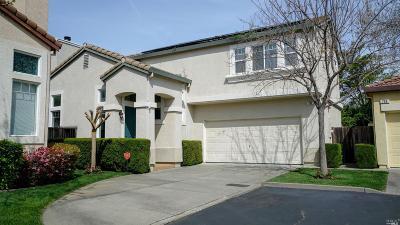 Fairfield Single Family Home For Sale: 702 Racoon Court