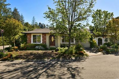 Healdsburg Single Family Home For Sale: 316 Maple Circle