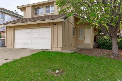 Vacaville Single Family Home For Sale: 1106 Araquipa Court
