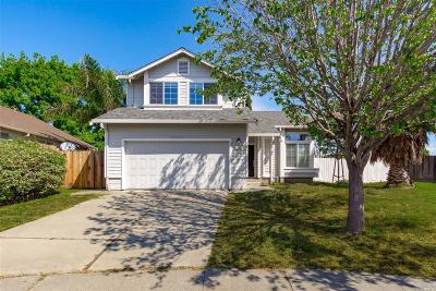 Vacaville Single Family Home For Sale: 502 Somerville Circle