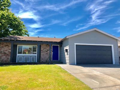 Solano County Single Family Home For Sale: 1243 Meadowlark Drive