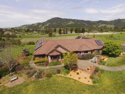 Santa Rosa Single Family Home For Sale: 4423 La Paz Lane