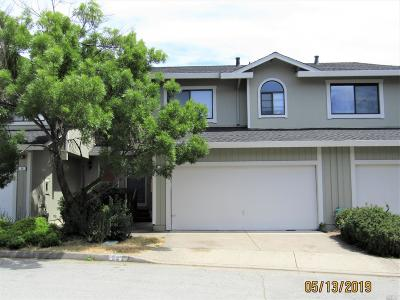 Novato Condo/Townhouse For Sale: 62 Rosewood Drive