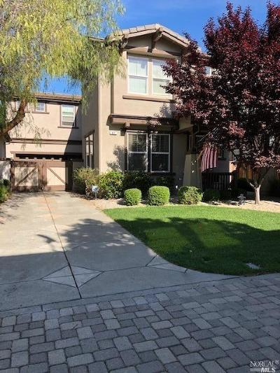 Fairfield Single Family Home For Sale: 821 Walden Court