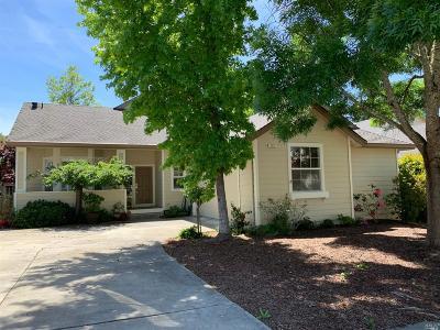 Healdsburg Single Family Home For Sale: 113 Village Oaks Court