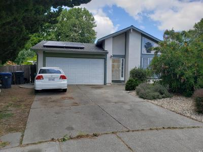 Suisun City Single Family Home For Sale: 602 Swallow Court