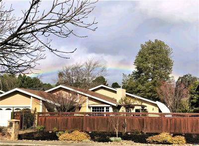 Solano County Single Family Home For Sale: 922 Bolton Circle