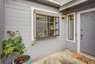 Benicia Condo/Townhouse For Sale: 1734 Devonshire Drive