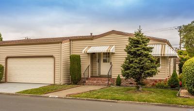 Napa Mobile Home For Sale: 104 Falcon Crest Circle #73