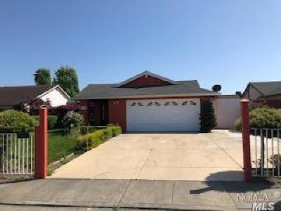 Vallejo Single Family Home For Sale: 425 Meadows Drive