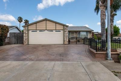 Vacaville, Fairfield, Dixon, Suisun City, Vallejo Single Family Home For Sale: 200 Auburn Drive