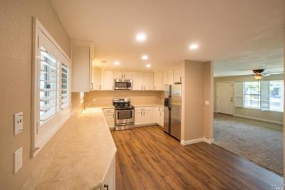 Vacaville Single Family Home For Sale: 731 Azalea Way