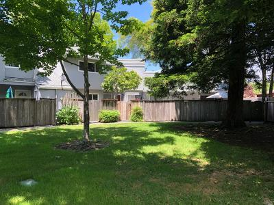 Rohnert Park Condo/Townhouse For Sale: 514 Racquet Club Circle