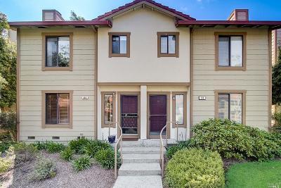 Condo/Townhouse For Sale: 318 Park Place Drive