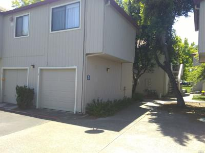 Santa Rosa Condo/Townhouse For Sale: 2694 Westberry Drive
