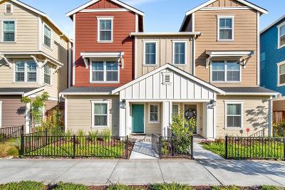 Single Family Home For Sale: 694 East Cotati Avenue