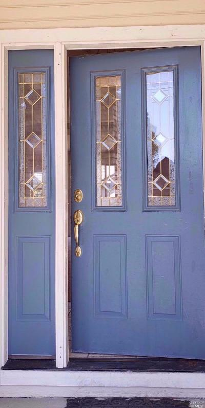 Windsor Single Family Home For Sale: 103 Cockrobin Avenue